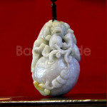 Hand Play Jade Carved Pixiu Design