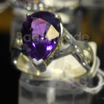 Beautiful Design of Amethyst Ring