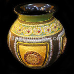 Green Color Background Handmade Lacquer Pot